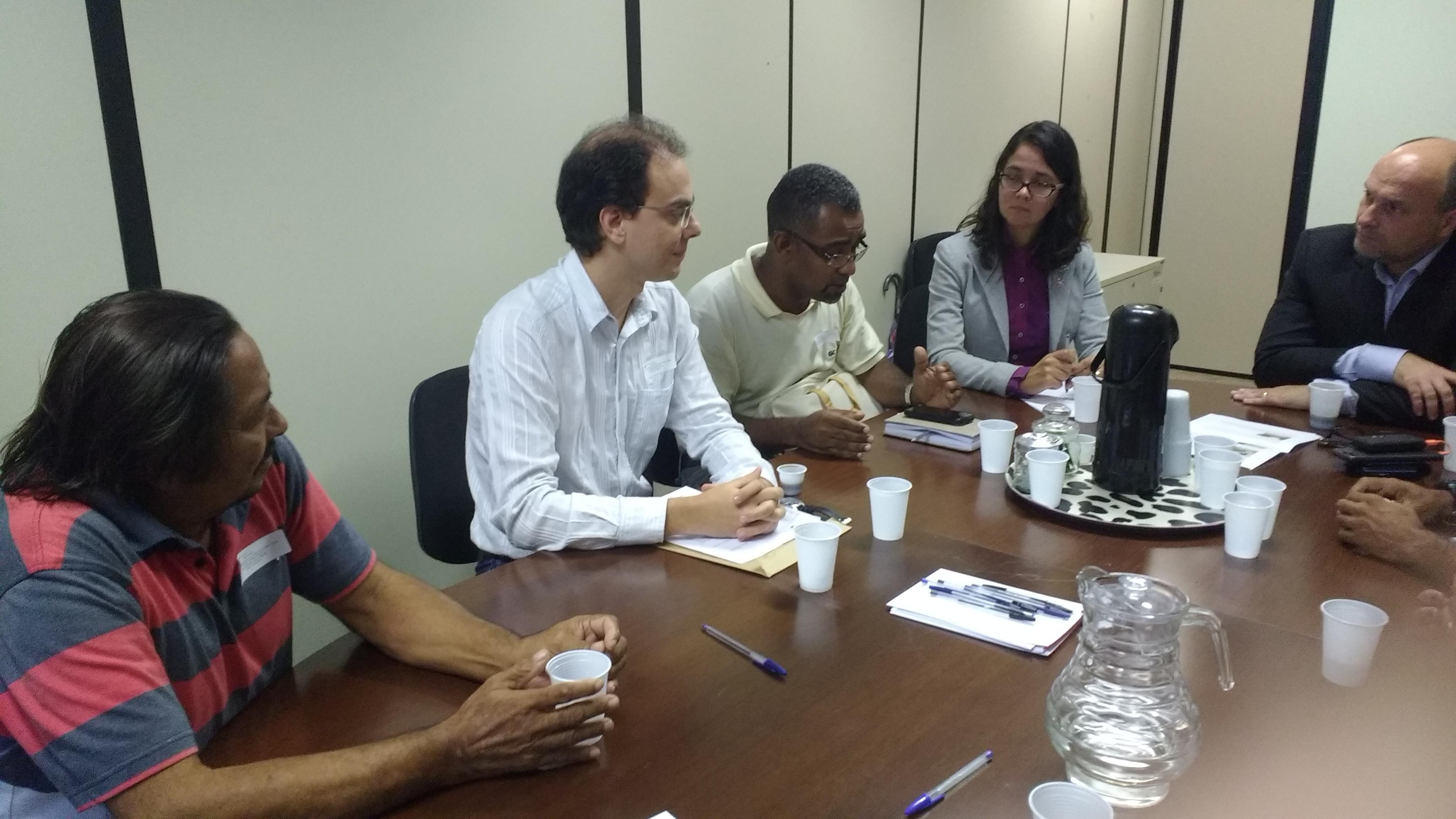 Vice presidente do Sindimed, Luiz Américo, em reunião no MPE para tratar sobre o fechamento das UPAs de Plataforma e Escada