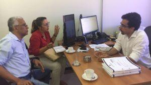 Francisco Magalhães e a advogada Cláudia Bezerra foram ao MPT falar sobre os concursados